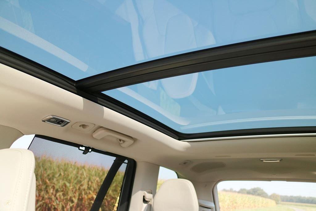 Kullakeks-Volvo-XC90-Testbericht-Familienautotest-Panoramadach