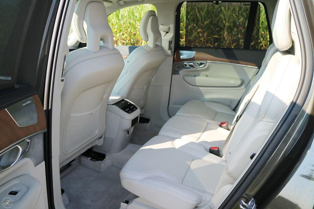 Kullakeks-Volvo-XC90-Testbericht-Familienautotest-Rückbank