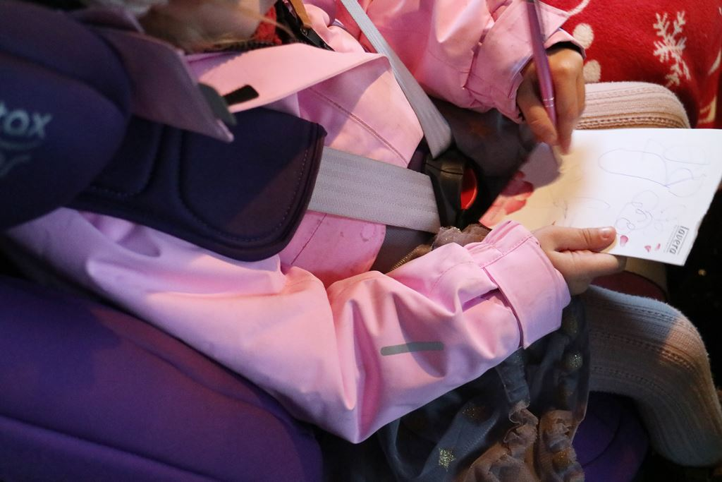 Ratgeber - ohne Jacke im Autositz - Sicherheit beim Autofahren