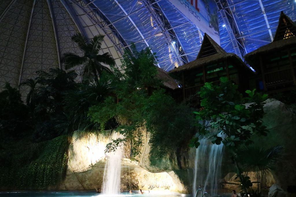 Kullakeks - Tropical Islands - Kurzurlaub - Wasserfall