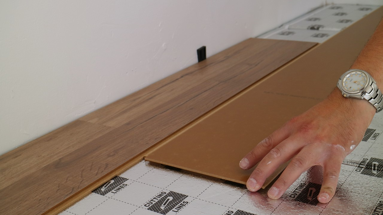 Kullakeks - Schlafzimmer - Fußboden - Laminat - Logoclic - Verlegen