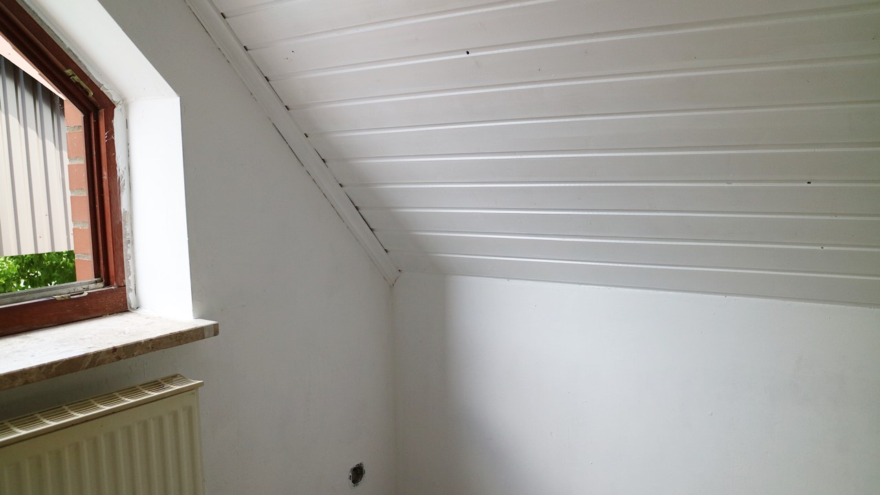 Kullakeks - Schlafzimmer - Wandfarbe - Dulux - Premiumweiß - Zweiter Anstrich
